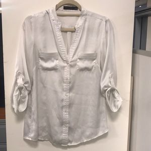The Limited White Button-down Blouse Size Medium